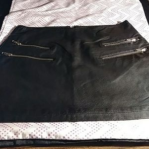 Forever 21 Faux Leather Skirt L Black